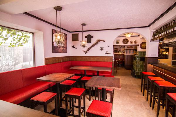 Bistro Bar geeignet für Weinproben ab 6 Personen